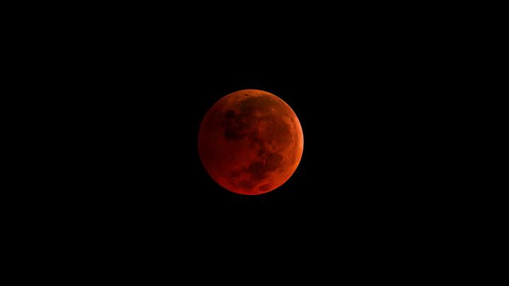 Hoje é dia de Super Lua! Qual a melhor hora para ver em Portugal?