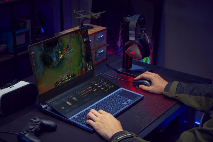 Os computadores portáteis ASUS ROG Zephyrus Duo 15