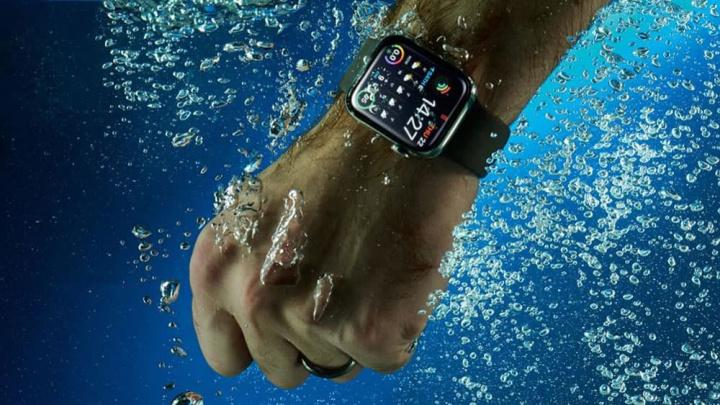 Imagem Apple Watch dentro de água a ilustrar nova patente