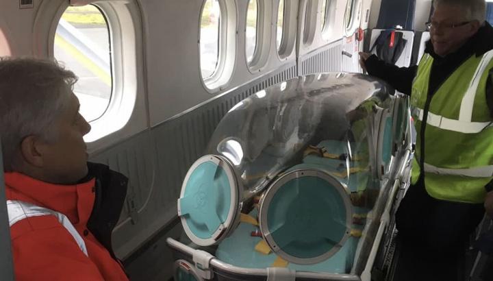 Imagem capsula EpiShuttles para transformar aviões em ambulâncias na ajuda a doentes COVID-19
