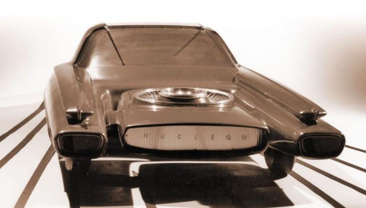 Imagem carro da Ford movido a energia nuclear
