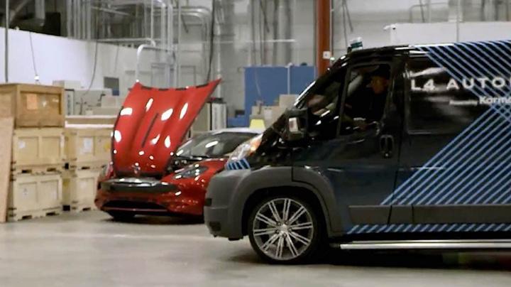Imagem carrinha elétrica autónoma Karma E-Flex