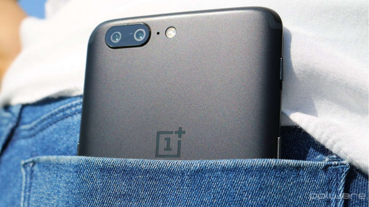 OnePlus Android 10 OxygenOS smartphones 5T
