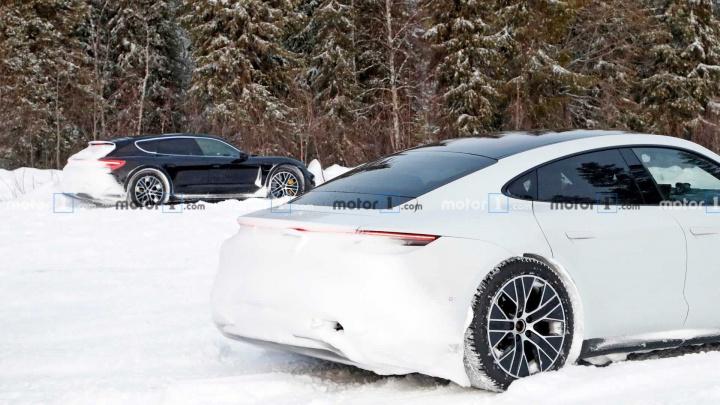 Imagem Porsche Taycan Cross Turismo em testes de inverno