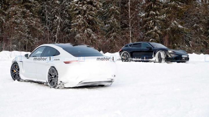 Imagem Porsche Taycan Cross Turismo em testes na neve