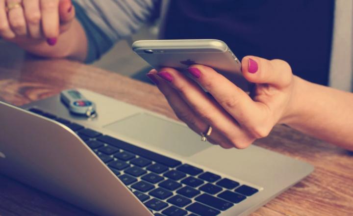 Como fugir às burlas online e comprar de forma segura com cartões virtuais
