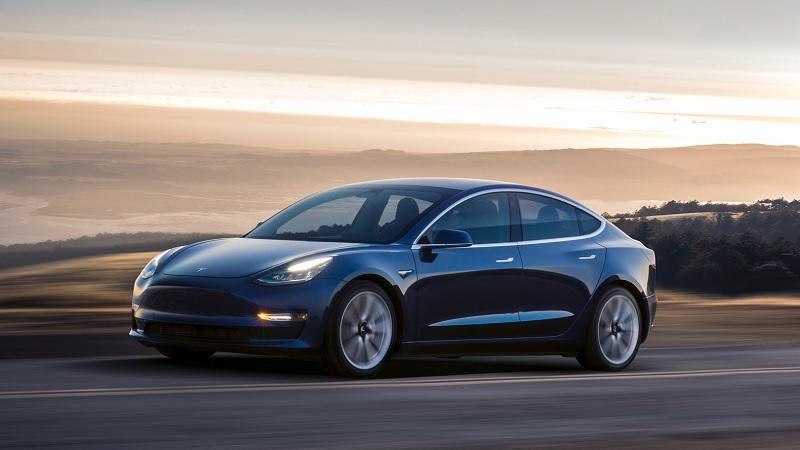Tesla uses Model 3 car parts to build a mechanical fan [Vídeo]