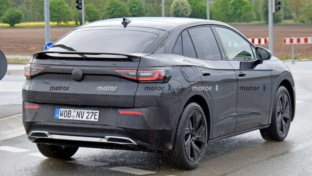 Volkswagen prepares the electric SUV ID.4 GTX and there are already some images