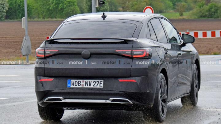 Electric SUV VW ID.4 GTX