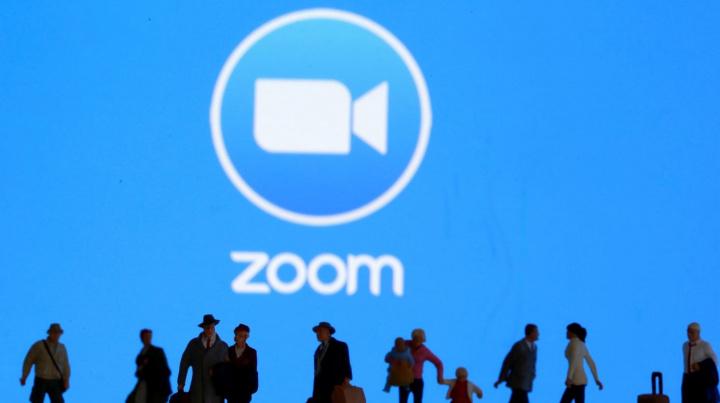 Zoom: Escolas começam a banir a plataforma de videoconferências