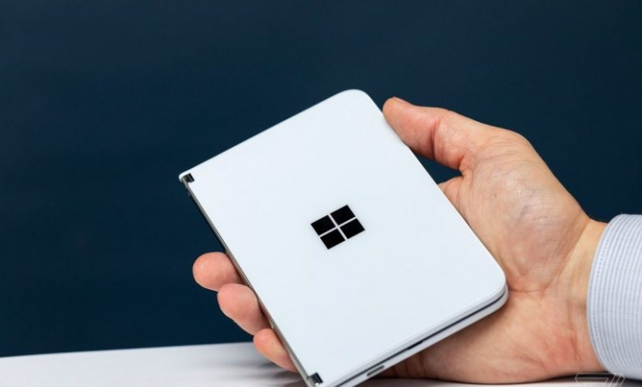 Microsoft Surface Duo will have 11 MP camera, Snapdragon 855 and 6GB of RAM