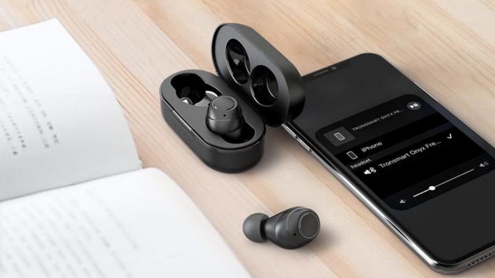 Tronsmart lança os earbuds Tronsmart Onyx Free, com sistema inovador de esterilização UV
