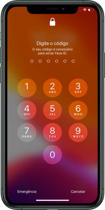 Imagem iOS 13 a pedir introdução do código segurança
