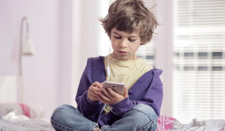 NOS lança tarifário NOS Kids por 5€ e oferta de NOS Safe Net