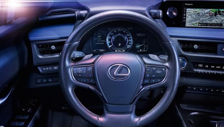 Interior do elétrico da Lexus, marca subsidiária Toyota