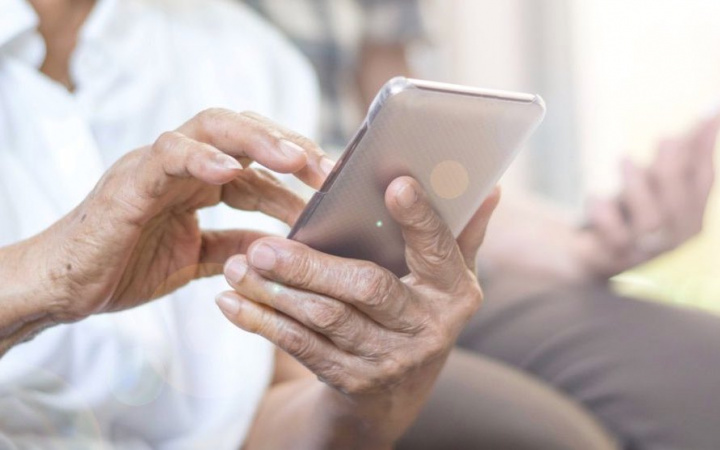 RGPD: Avó obrigada a apagar fotografias dos netos das redes sociais