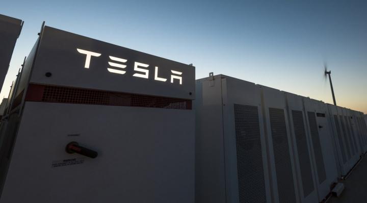 Tesla solicita licença para ser fornecedora de energia no Reino Unido