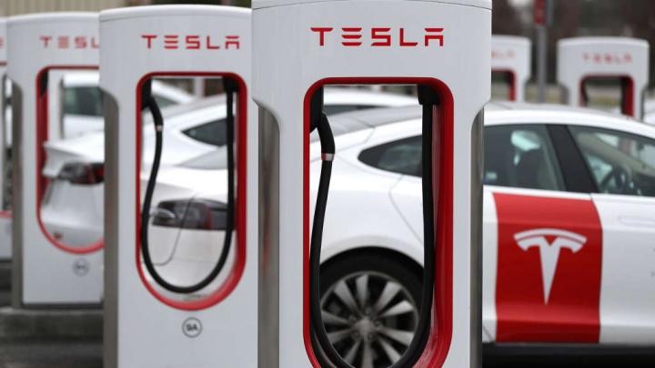 Tesla baterias carros elétricos longevidade