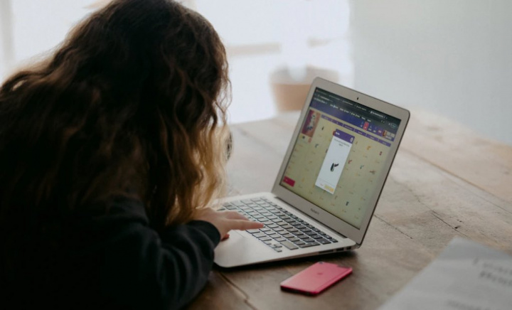 Portugal: Governo vai dar computador a 300 mil estudantes