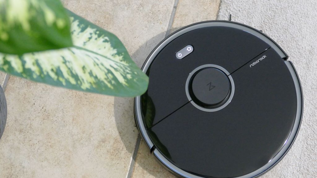 Analysis: Roborock S5 Max - The robot vacuum cleaner that also wipes the maps ...