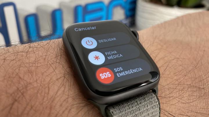 Imagem Apple Watch em modo SOS