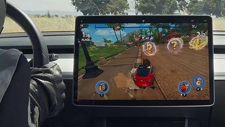 Tesla Elon Musk interface jogo Grand Theft Auto V