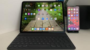 Imagem iPad e iphone com ipadOS 13.5 e iOS 13.5 respetivamente