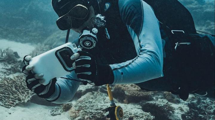 """Ilustração Aqua-Fi, o primeiro """"Wi-Fi subaquático"""" que usa LEDs e lasers"""