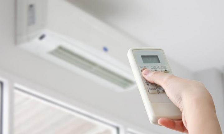 COVID-19: Problemas com ar condicionado? DGS diz que risco é baixo