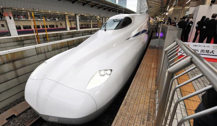 Imagem do novo comboio-bala do Japão
