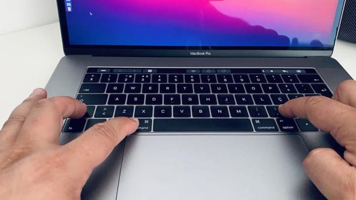 Imagem de movimento de teclas para atalho no teclado do macOS