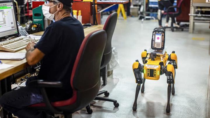 Imagem robô Spot a trabalhar na Ford