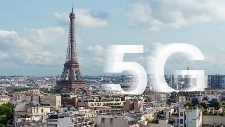 Ilustração de Paris, na França e o 5G Huawei
