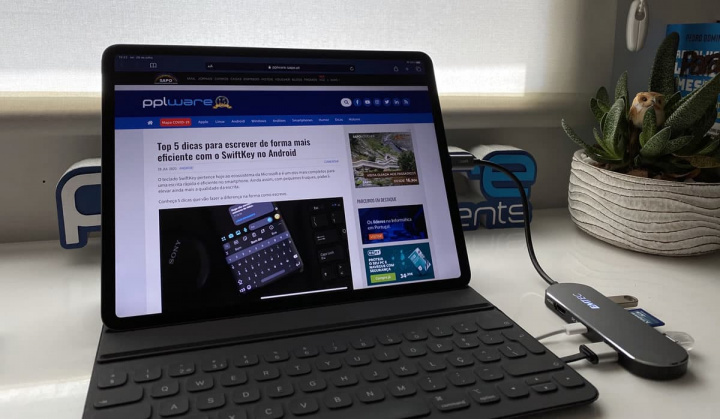 Imagem do Hub EMTEC Type-C 6in1 no iPad Pro