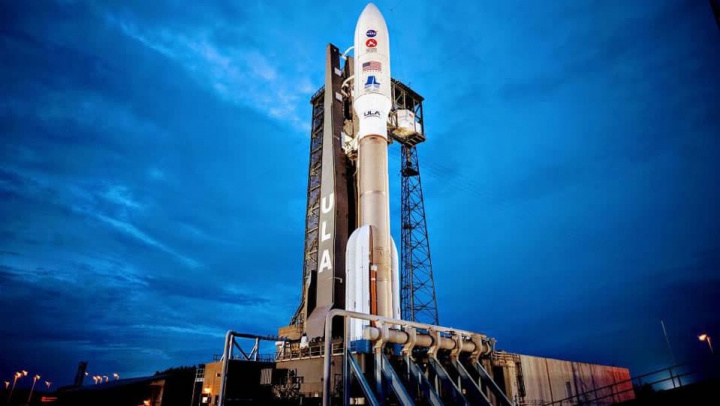 Imagem da Peserverance da NASA sentada à espera da partida para Marte