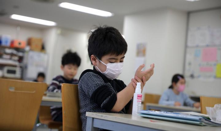 Máscaras para todos: alunos, professores e funcionários