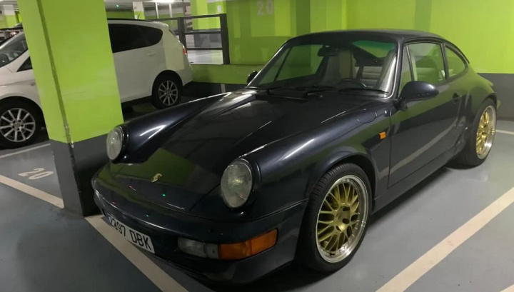 Image of the Porsche Carrera 2 that was stolen and filmed by the Tesla Sentry