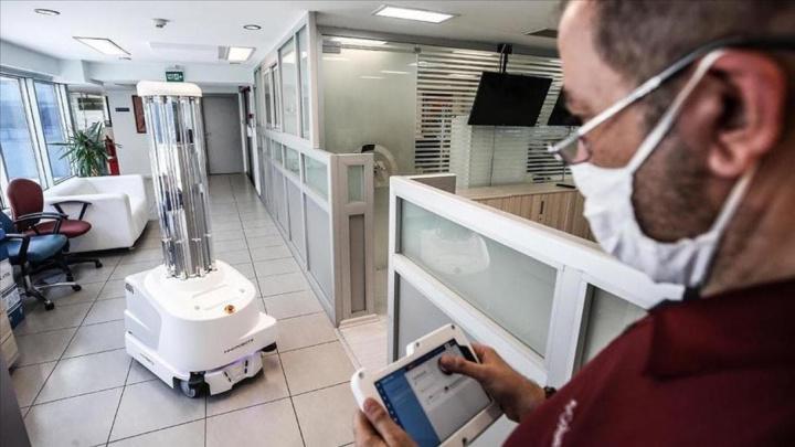 ZenZoe: Robô que ajuda a prevenir da COVID-19 chegou a Portugal