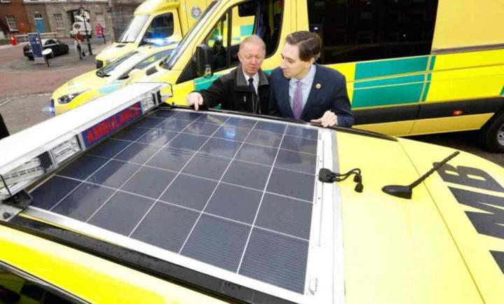 Ambulâncias com painéis solares para diminuir poluição e não só...