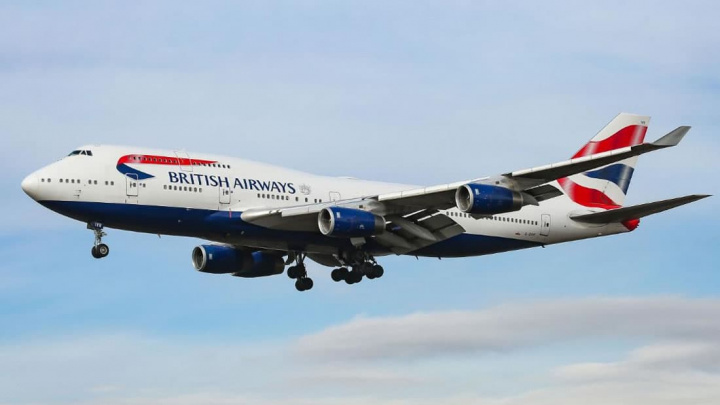 Imagem de um avião Boeing 747-400 da British AirWays