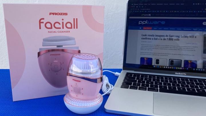 Faciaal: O pequeno aparelho de limpeza facial com 3 funções