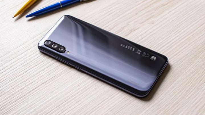 Xiaomi Mi A Android One smartphones atualizações