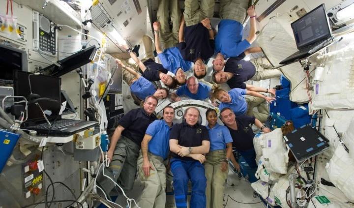 Ilustração do que sweria a ISS com um Reality show