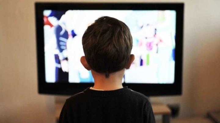 #EstudoEmCasa: Começaram as aulas pela TV! Horários já disponíveis
