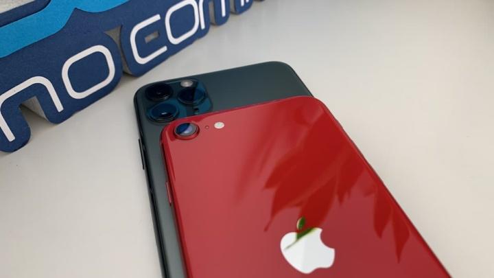 Imagem iPhone 11 Pro Max e iPhone SE 2020