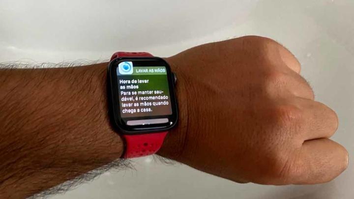 COVID-19: O seu Apple Watch agora lembra-o de lavar as mãos