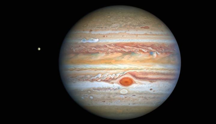 Imagem de Júpiter acaba de captar pela NASA com a lua Europa ao lado