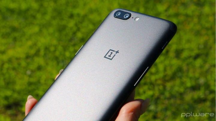 OnePlus atualização problema testes Android 10