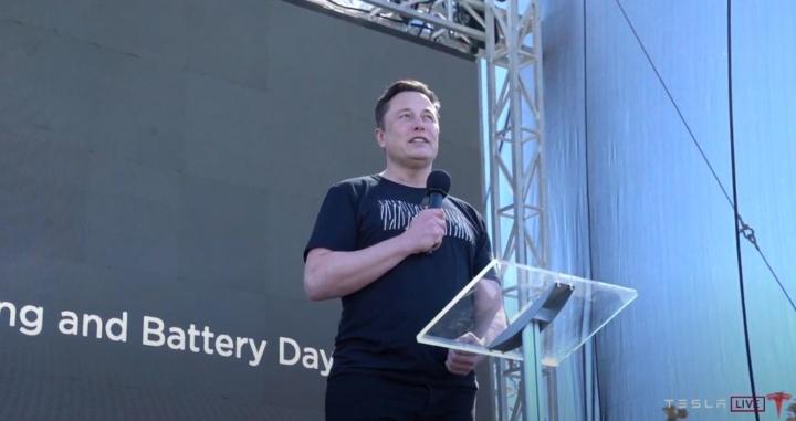 Carros Tesla desde 25 mil dólares graças ao custo da nova geração de baterias