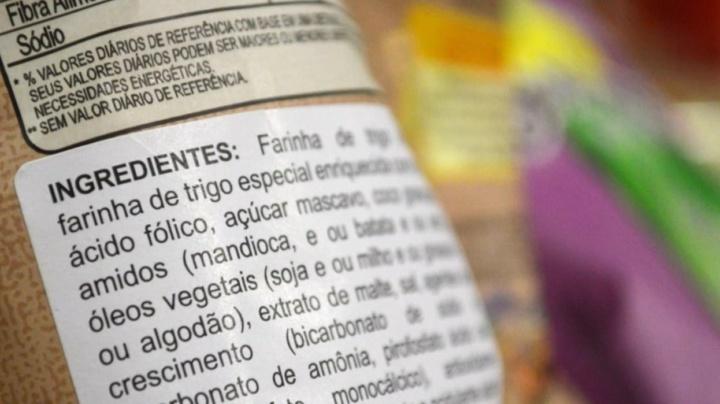 Ilustração de rótulos dos alimentos e cosméticos